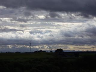 台風一過、夕暮れの江戸川